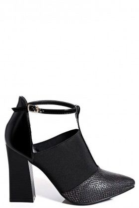 Black Flared Heel Pointed Shoes