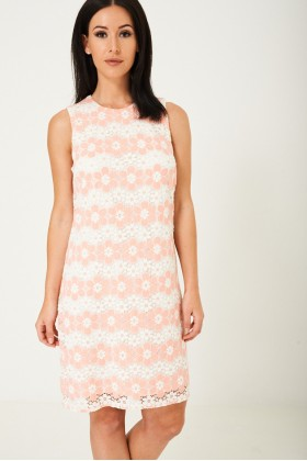 Midi Dress in Floral Lace