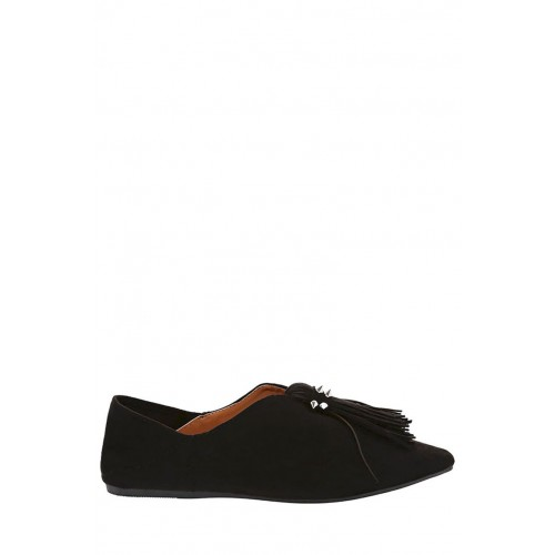 Pointed Flat Shoe with Tassel Detail-Black