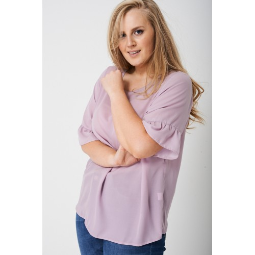 PLUS Frill Sleeve Top in Spring Lilac